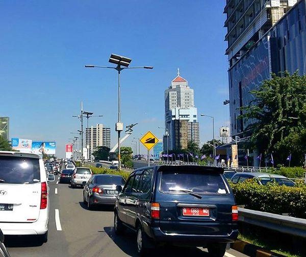 Jakarta pagi Televisinet Jakarta Regramtime Regram INDONESIA Vscocam Fullcolor Mix Jalanan