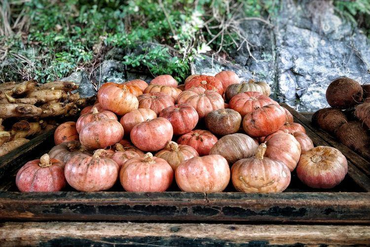 Pumpkin Pumpkins EyeEm Selects Farmers Market Jack O Lantern Halloween Root Vegetable Plant Bulb Farmer Market For Sale Squash - Vegetable