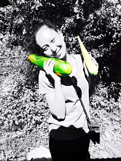 I so love spending my time around fruits & vegetables Leisure Activity Real People Organic Vegetables Homegarden Freshness Satisfaction Warmthandsunshine Happyme Ecstatic Smiles