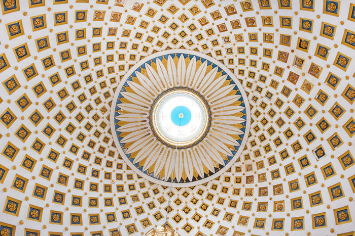 Interior detail of the dome of the Rotunda of Mosta (Church of the Assumption of Our Lady), Malta. The dome is the third largest unsupported dome in the World Architecture Basilica Church Malta Mosta Mosta Rotunda Ornament Roof Rotunda Cupola Detail Dome Geometry Geometry Pattern Interior Landmark Monument Painting Pattern Religion Structure Temple Texture Tile Unsupported
