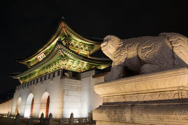 Cultural Heritage Famous Place Gwanghwa-mun Haechi Haetae International Landmark Low Angle View Seoul Tourism Travel Destinations 광안리 광화문야경 야경 해치