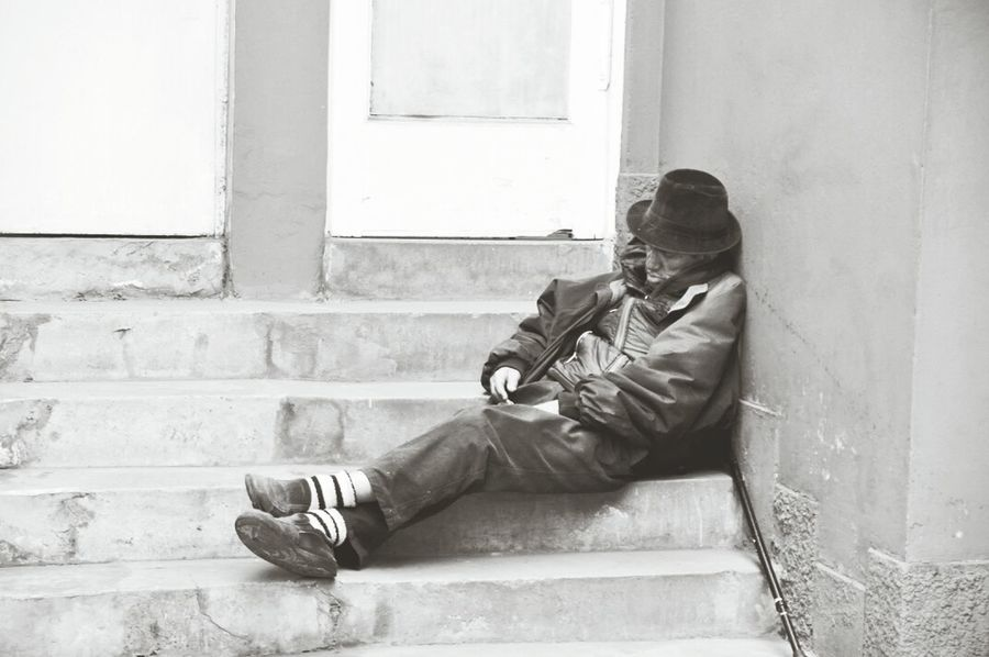 Streetphoto_bw Street Photography Homeless Monochrome