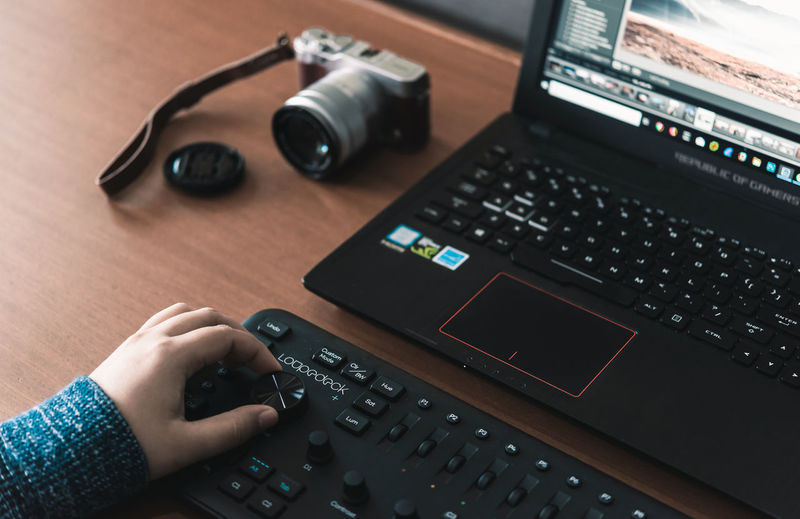 The mood Technology Human Hand Human Body Part Communication Table One Person Real People Hand Body Part Photography Themes Indoors  Lifestyles Computer Wireless Technology Connection Keyboard High Angle View Computer Equipment Music Finger Loupedeck