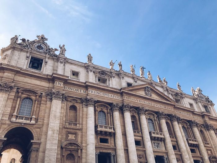 Vaticano Vatican Basilica Saint Peter's Basilica Vatican Built Structure Architecture Building Exterior Low Angle View Sky History The Past Travel Destinations Building Travel Tourism Day Architectural Column Window Nature City Gothic Style No People Outdoors Ornate