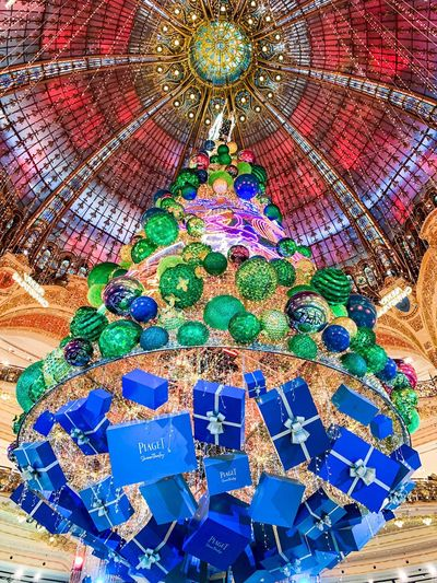 Galeries Lafayette Merry Christmas Joyeux Noël Paris France Pattern Multi Colored Art And Craft No People Full Frame Creativity Design Indoors  Decoration Craft Architecture