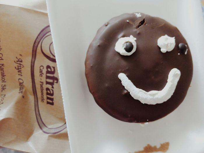 Gözü düşmüş olmasına ve birazdan yiyecek olamama rağmen bu ne mutluluk be kendine gel 😒😳🙍 Smile Dontsmile Please Ieatyou Happy Cake Eyes