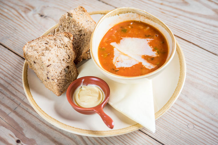 Meal Rustic Bowl Bread Food Food And Drink Foodphotography Freshness Garnish Gourmet Healthy Eating Indoors  Meal No People Organic Plate Ready-to-eat Soup Still Life Table Tabletop Tomato Wellbeing Yummy