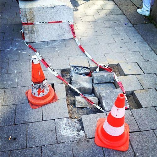 WIE schafft man das bitte? #auto #lkw #unfall Unfall Auto Lkw
