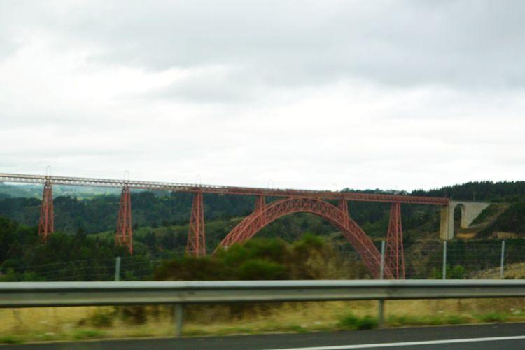 Petit clin d'œil à Mr Gustave Eiffel dans le paysage auvergnat Gustave Eiffel Metallic Bridge Steel Bridge Red Auvergne