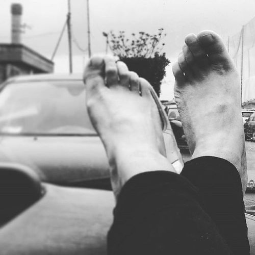Attesa Piedini Piedi Piedinibelli Pieds Piedini_italiani Piedininudi Inmacchina  Inmacchinaa Waiting Aspettandopietro Blackandwhite Feet