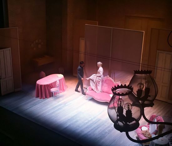 Teathre Dollshouse Pink Beauty Play People And Places