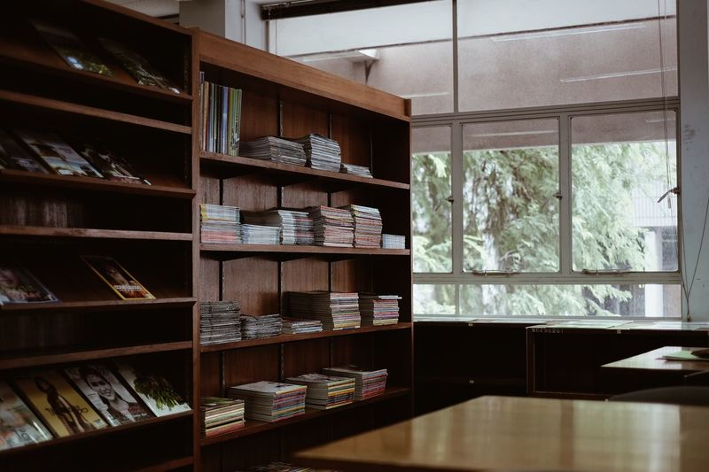 Libraly Home Interior Shelf Modern Indoors  Choice Home Showcase Interior No People Neat Day Library Books
