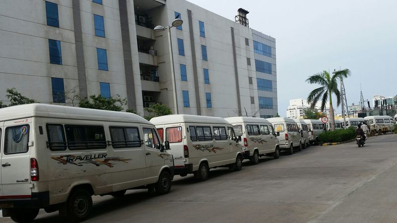 Softwarecompany Cab Service Vehicle Parking Queue Up Pickup Drop