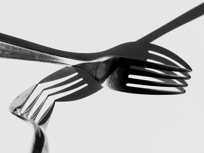 Chaos.... Fork Kitchen Utensil No People White Background Shadows & Lights Shadowplay Shadow-art Shadows Lessismore Minimalobsession Freshness Getting Inspired Exceptional Photographs Pattern, Texture, Shape And Form Abstractart EyeEm Gallery Minimal_perfection Eyeem Market Minimalart Abstract Minimalism Minimalove Studio Shot Blackandwhite Minimalmood Art Is Everywhere