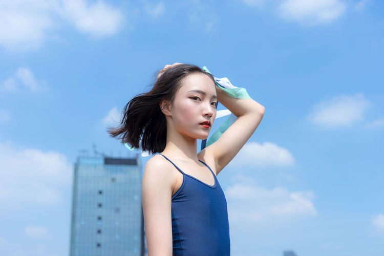 Ballet in the Sky more update pictures | Instagram | https://www.instagram.com/uni_huang0330/ | 500px | https://500p Chinese Girl City Roof Rooftop WeAreJux Balle't Ballet Ballet Dancer Ballett Chinese Cloud - Sky Day One Person Outdoors Real People Sky Wearmoi Young Adult Young Women