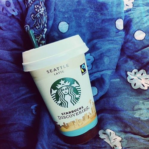 Travel classic ☕ Coffee Starbucks Travelwithgabi Wanderlust scarf tired energyboost