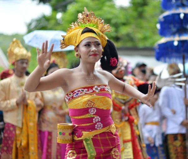 Balinese Traditional Clothes Bali's Dancing City Young Women Flower Portrait Multi Colored Performance Beauty Ceremony Headdress Beautiful Woman Powder Paint Traditional Dancing Festival Carnival Traditional Festival Traditional Ceremony