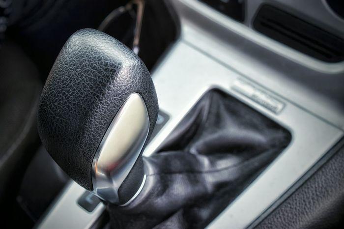Car Gear Shift Shifting Gears Knob Interior Dark Gray Shiny Handle