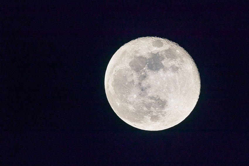 """""""The full moon is calling, the fever is high And the wicked wind whispers and moans…"""" - One Of These Nights, The Eagles, 1975 Full Moon Majestic Moon Moon Surface Nature Night Outdoors Planetary Moon Tranquil Scene Tranquility"""