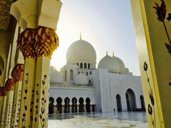 Abu Dhabi Abudhabi Sheikh Zayed Grand Mosque Architecture_collection Architecture Architectural Detail Architecturelovers Travel Destinations Travel Photography Travelphotography Travelingtheworld  Mosque Religious Place IPhoneography Pillars Religious Icons Dome Tourists Tourist Tourism