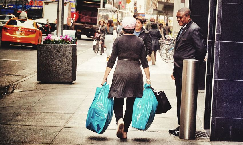 People Watching Ontheroad Plastic Bag Scenery New York Street Portrait EyeEm Best Shots - People + Portrait Beauty In Ordinary Things The Street Photographer - 2015 EyeEm Awards The Portraitist - 2015 EyeEm Awards