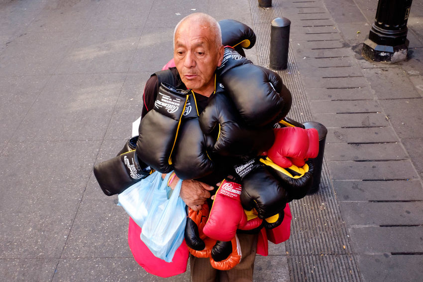 Streetphotography Street Photography Boxing Glove Boxing Mexico City Mexico Cdmx Df One Man Only Mature Adult Adult Only Men One Person Adults Only Senior Adult