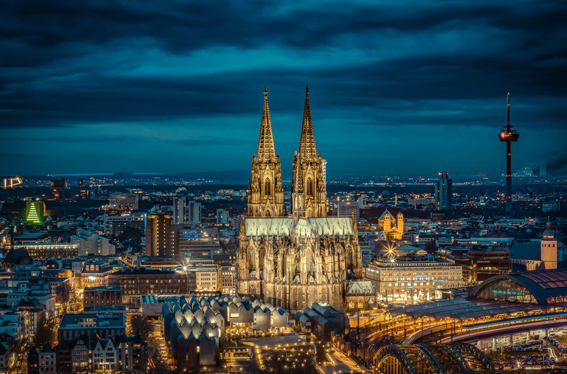 Cologne Cathedral to the blue hour. Beliebte Fotos Cathedral Deutschland EyeEm Best Shots EyeEm Selects EyeEm Gallery EyeEmBestPics Hello World Köln Kölner Dom Architecture Eyem Best Shots Germany