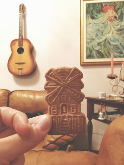 Human Hand Real People Creativity Indoors  One Person Home Interior Human Body Part Day Biscuits Cinnamonbiscuit Biscuit Biscotti