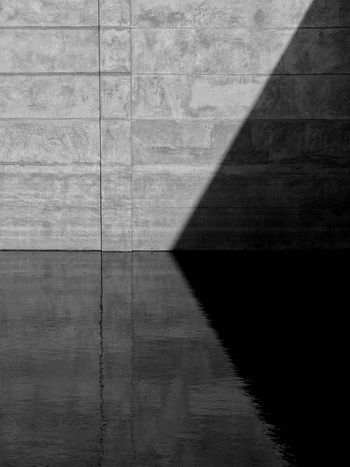 Black And White Light And Shadow Cement Wall Concrete Wall Art Artist Water Reflection Pattern Wall Old Paint Gray Dark Building Exterior Architecture Modern Architecture Minimalist Abstract Outdoor Vintage