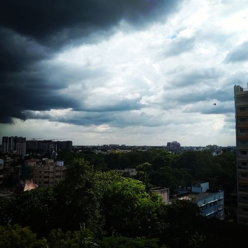 the dark day Office Window Before The Storm Cityscape Tree Urban Skyline Sunset Sky Architecture Building Exterior Cloud - Sky Storm Cloud Office Building Tornado Thunderstorm Sky Only Cloudscape Cumulus Cloud Cumulonimbus First Eyeem Photo EyeEmNewHere