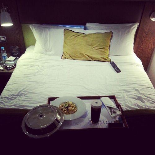 Dinner in bed London Wanasa