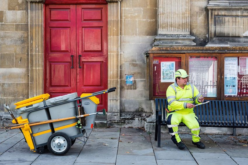 Gloucester Northgate Street Streetphotography Man At Work Man Sitting On A Bench Street England Trash Man Urban