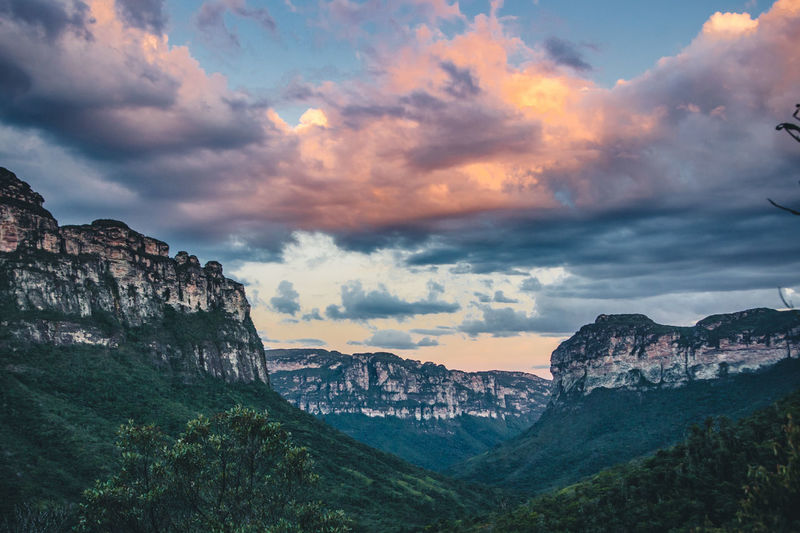 Golden hour in my favourite national park of Brazil - Chapada Diamantina. Beauty In Nature Cliff Cloud - Sky Darkness And Light Day Discover  Dramatic Sky Explore Golden Hour Jungle Landscape Mountain Mountain Range Nature No People Outdoors Scenics Sunset Table Mountain Tranquil Scene Tranquility Travel Travel Destinations Traveling Valley