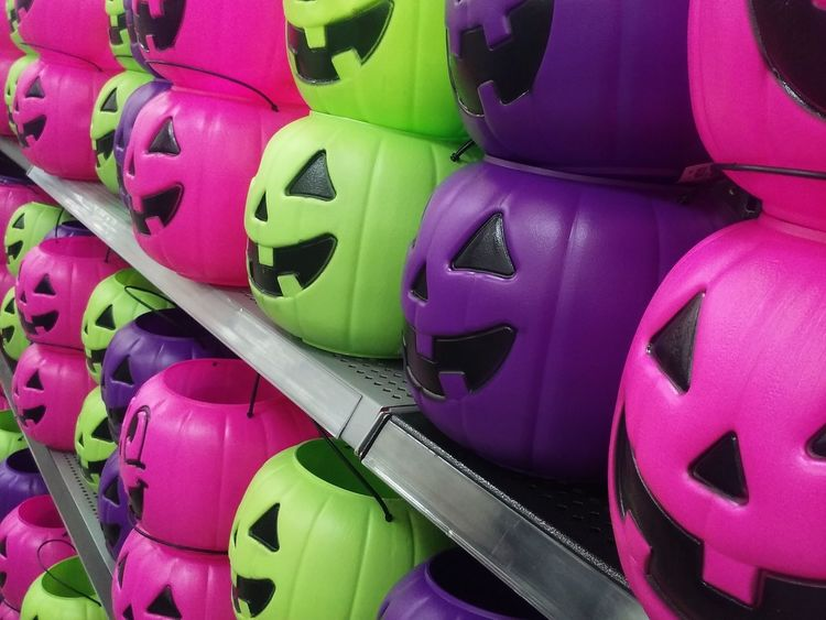 Halloween2016 Halloween Trick Or Treat Candybasket Colorful Plastic Jack O Lantern Store Display Purple Pink And Green