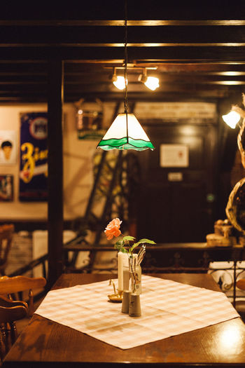 Pendant lighting over table in cafe