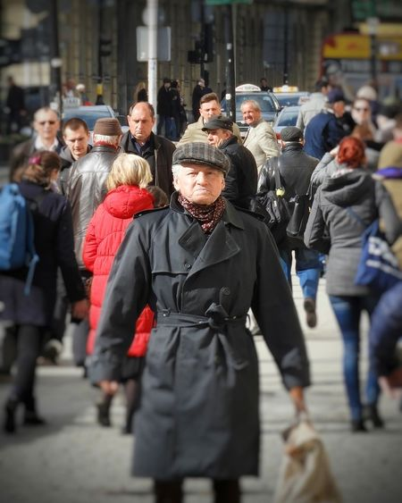 Warszawa  Warsaw Varsovia Streetcapture Streetphotography People On The Street Real People Streetphoto Streetview Streetlife Warsawlife Oldman Grumpy Grumpy Face