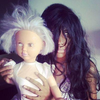 A boneca descabelada voce vai se cagar de medo com esse filme de terror.
