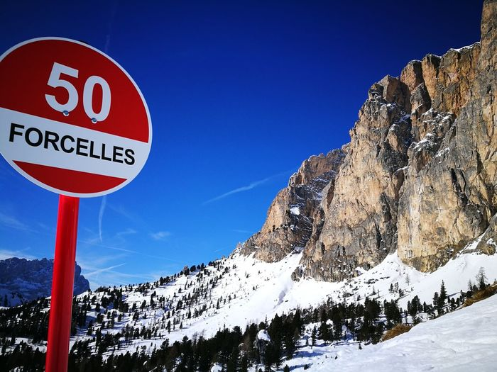 Selected For Premium HuaweiP9Photography Mountain View Mountains Alpine Landscape Slopes Wintermood Snow ❄ Wintertime Winter Holidays Skiing Day Road Sign Outdoors Mountain Sky No People Shades Of Winter