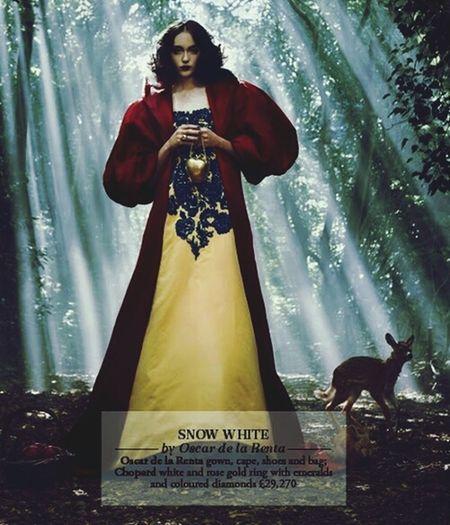 Snow :-) Snow White Princess Fashion Oscar De La Renta