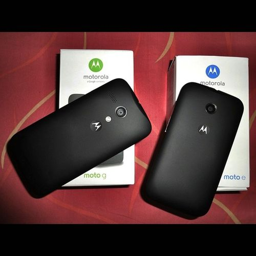 ? Right Side ≈ Moto G ? Left Side ≈ Moto E ?? ? Bigbrother SmallBrother Mobile Smartphone Motorola MotorolaMobility MotoG MotoE Google AndroidKitKat MyMobileArsenal Cute Cool Lovely