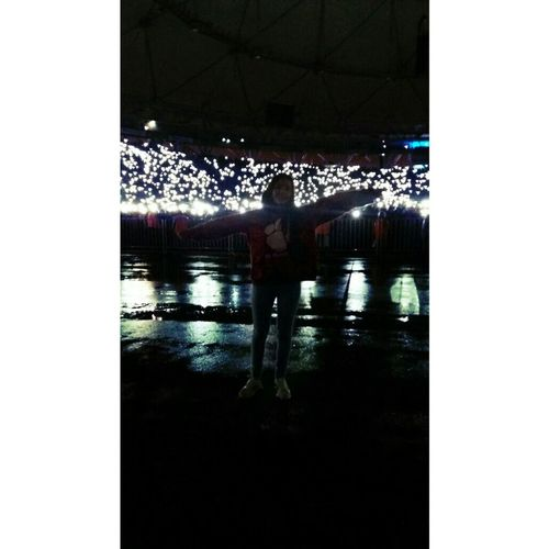 Edsheeran Edsheeranconcert Edsheerantour Edsheraan Edsheeranargentina Music Musical Instrument Resital Concierto Reflection Swimming Pool Water One Person Swimming Wet One Woman Only People Real People Adults Only Floating On Water Adult Only Women One Young Woman Only Underwater Lifestyles