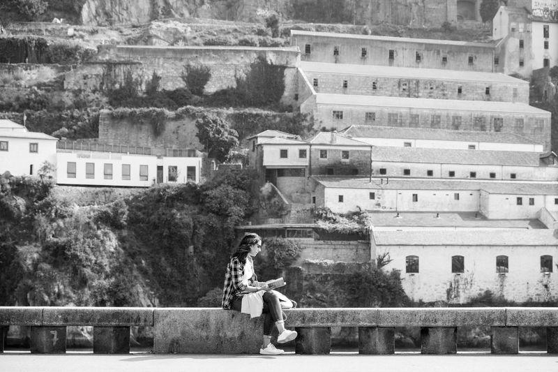 Architecture Outdoors Real People One Person Reading A Book Reading & Relaxing Porto Portugal 🇵🇹 Blackandwhite Photography NEM Black&white The Traveler - 2018 EyeEm Awards The Street Photographer - 2018 EyeEm Awards #urbanana: The Urban Playground