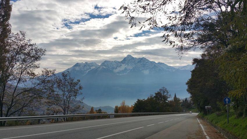 Road to Lake Como - Switzerland