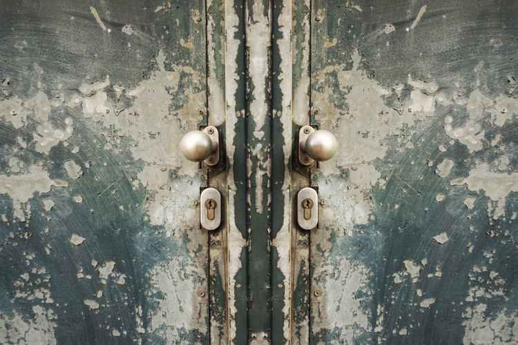 Door Full Frame Backgrounds Metal Entrance No People Close-up Weathered Pattern Old Protection Lock Day Security Closed Rusty Textured  Safety Doorknob
