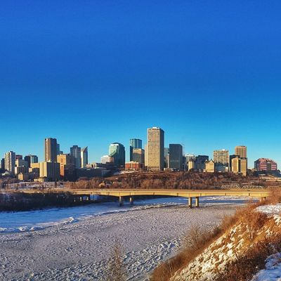Hellooo Edmonton ! Loving the skyline and exploring the city. • Tstcanada w @EdmontonTourism @TravelAlberta @ExploreCanada • Explorealberta Explorecanada