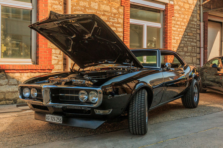 Pontiac Firebird Mode Of Transportation Transportation Car Land Vehicle Motor Vehicle Architecture Building Exterior Built Structure Vintage Car Retro Styled City Day Street Building Stationary No People Outdoors Parking Brick Garage Wheel Chevrolet El Camino Pontiac Firebird