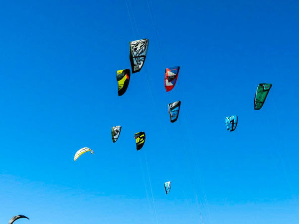 The Color Of Sport Blue Sports Clear Sky Low Angle View Flying Multi Colored Nature Extreme Sports Outdoors Vibrant Color Sport Sports Photography Canon Sx40hs Eyemphotography Canon_photos Sport Photographer Beachphotography Kite Kitesurfing Kitefestival Coche Isla Kitesurf