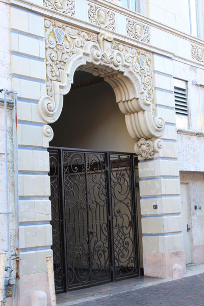 Arch Architecture Balcony Building Exterior Built Structure Day Door Entrance Indoors  No People Ornate Pattern Residential Building Whitewashed Wrought Iron