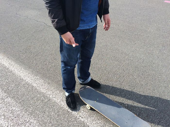 Male Young Adult Young Boy Skating Skateboarding Skateboard Skate Legs Legs_only Hanging Out Hobby Streetphotography Berlin Tempelhofer Feld Tempelhof Skatelife Skatepark Skate Life Skater Up Close Street Photography
