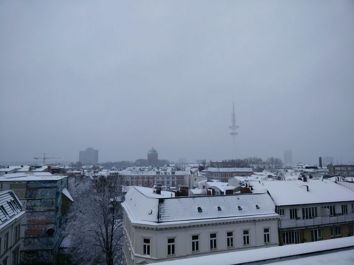 Seeing The Sights Hamburg First Snow First Snow Of 2015 First Snow 2015 Enjoying The View Amazing View Rooftop View  From The Rooftop Snow Sports Flying High